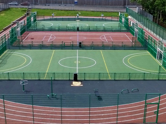 surfacing on outdoor sports courts and multi-use games areas
